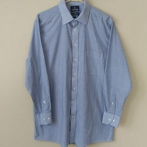 Stafford Travel Fitted Tailored Broadcloth Shirt